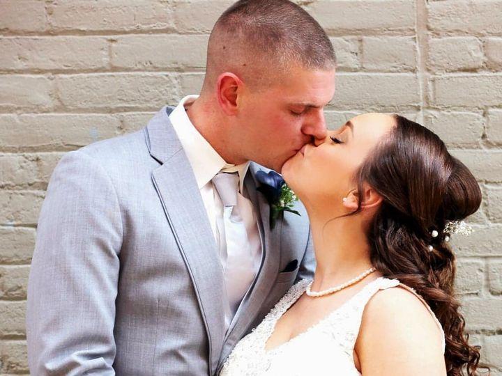 Tmx Lind 2 2 51 577614 158293541478867 Cedar Rapids, IA wedding florist