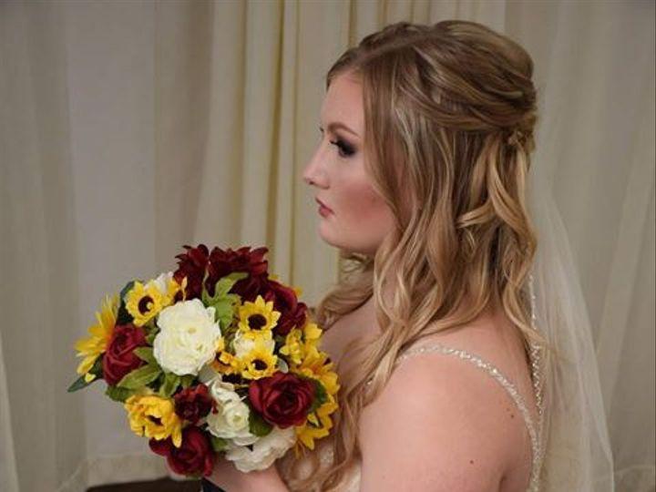 Tmx Lindsy Scott Photo 51 577614 158334425574875 Cedar Rapids, IA wedding florist