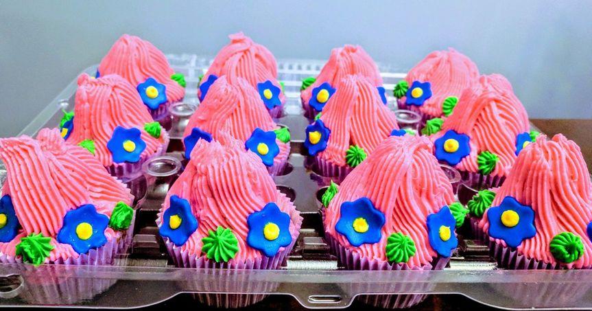 Princess Poppy troll cupcakes