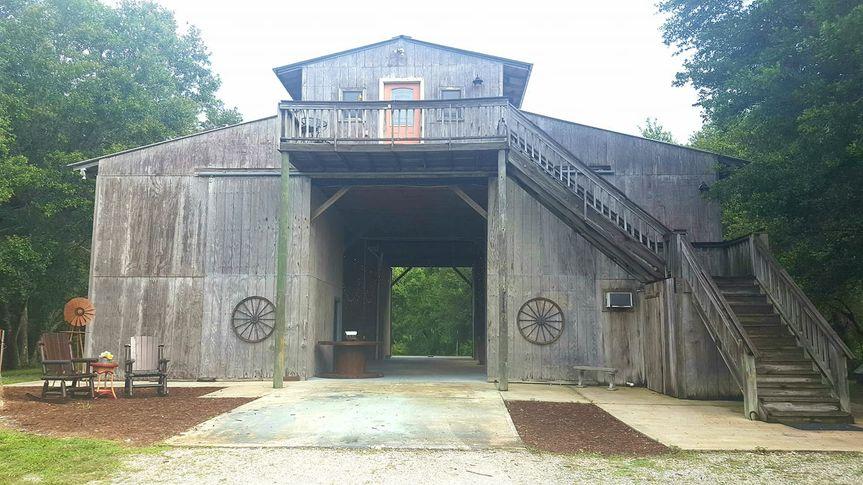 Blank canvas barn