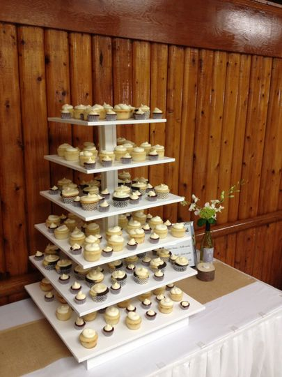 September Wedding: Marble, Red Velvet and Lemon Cupcakes