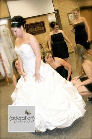 Amazing alterations reviews ratings wedding dress for Wedding dress preservation minneapolis