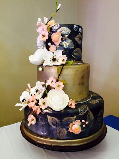 blackandgoldweddingcake