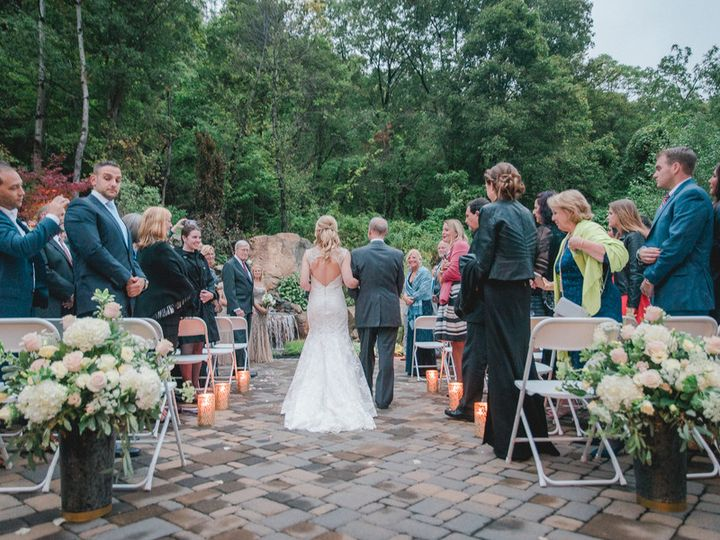 Tmx 1515094243016 Bishopquinniamthephotomanllcdsc5353low Fishkill wedding florist