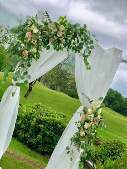 2 post draped arbor with florals
