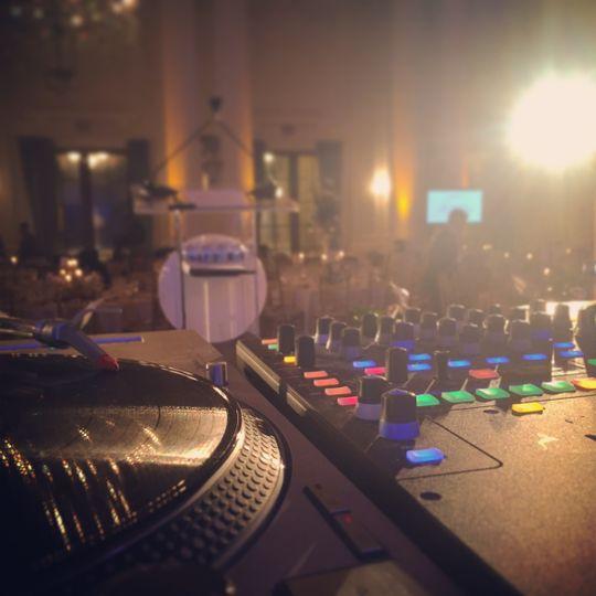DJ Q guarantees utmost quality of professionalism