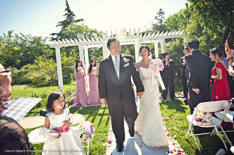 Queens botanical garden venue flushing ny weddingwire for Outdoor wedding venues in ny
