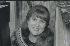 Harpist Renee Wilson