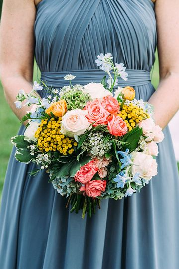 Bridesmaid's bouquet | Photo by Jared Ladia
