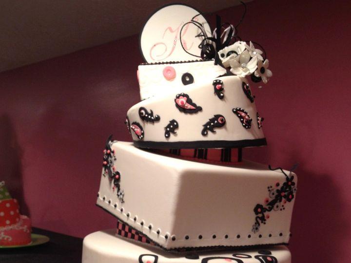 Tmx 1352760177357 ContemporaryWeddingCakePink Knoxville, Tennessee wedding cake
