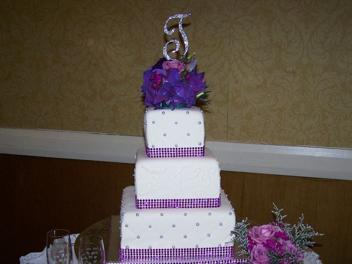 Tmx 1431721426599 Lilly Wedding Knoxville, Tennessee wedding cake
