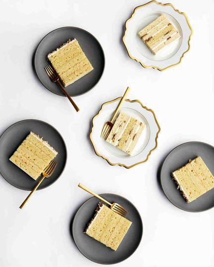 Wedding cake serving