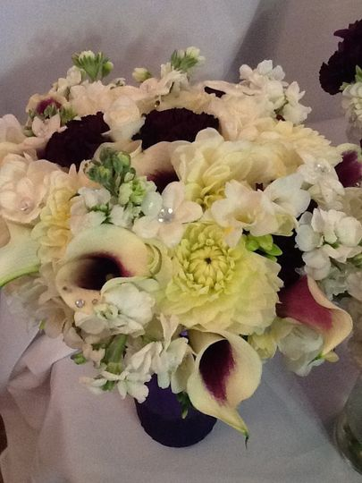 Calla lilies, dahlias, carnations, stock