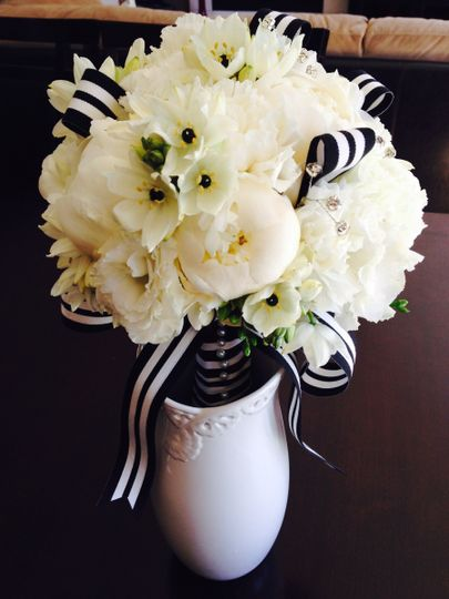 Black and white bouquet with ribbon accents