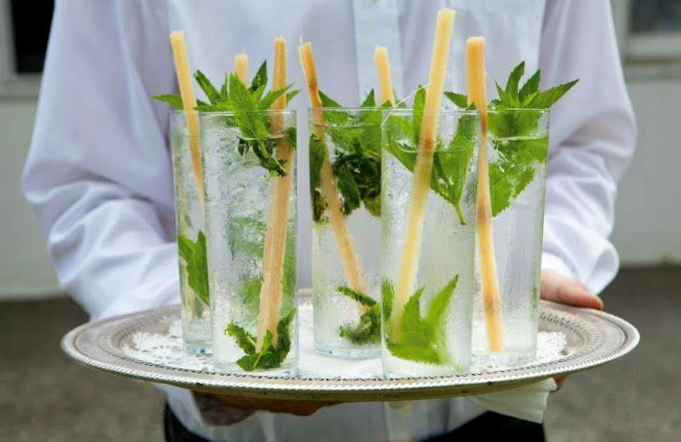 Mojitos with sugar cane