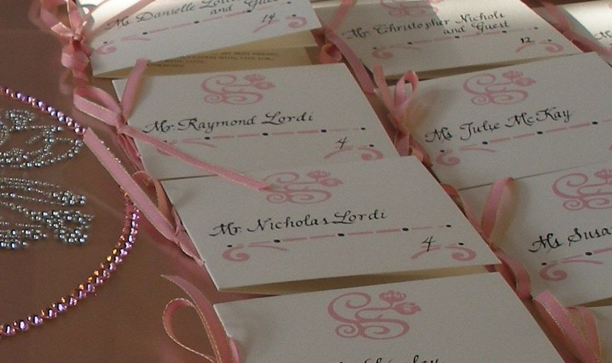 Escort booklets with favorite love quotes