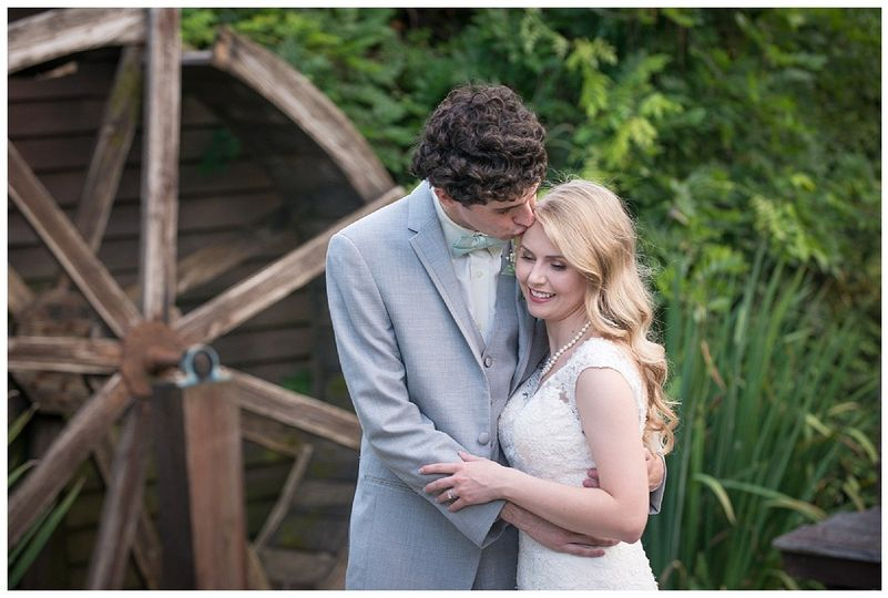 Embrace - Palmetto Duo Photography