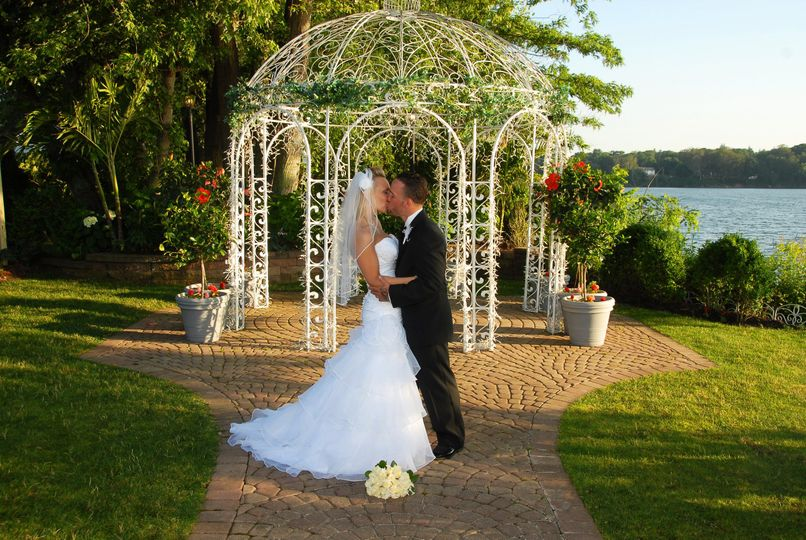 800x800 1448834069820 waterfront wedding venue on long island