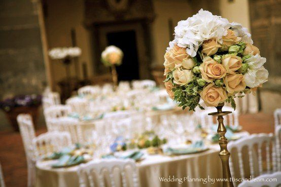 weddingflowerscenterpieceTuscany