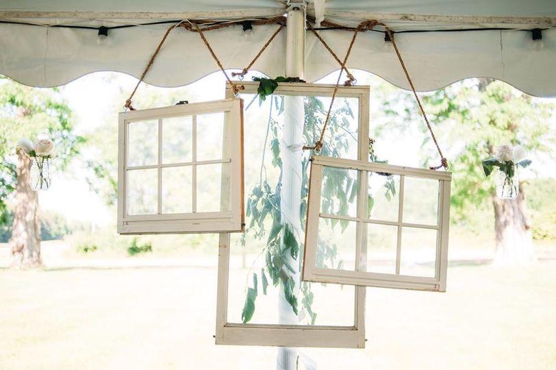 Hanging window decors