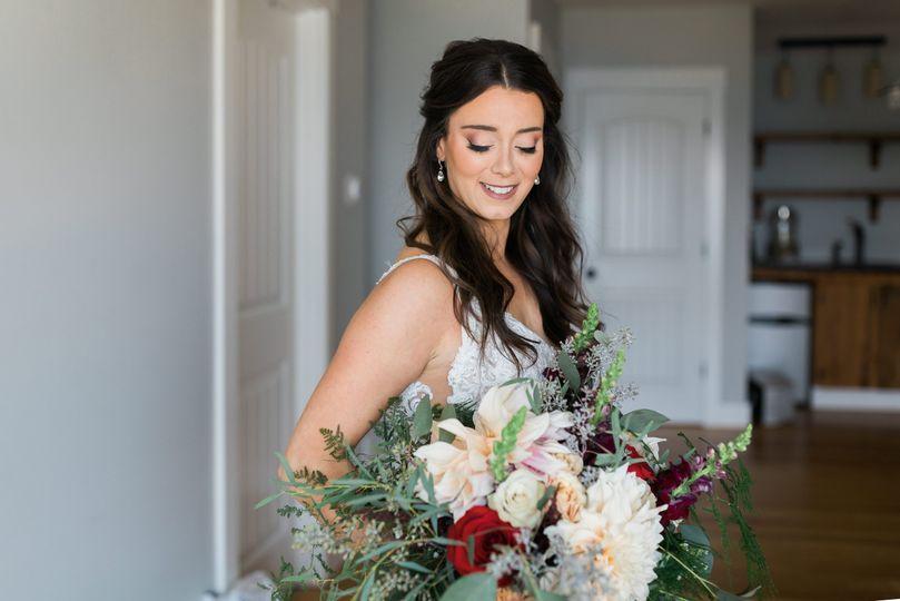 Gorgeous bride & bouquet