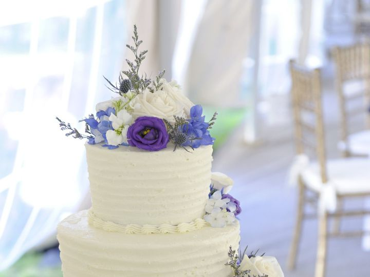 Tmx 1537275531 7268dc5503f36dca 1537275526 052b84007fd9bc09 1537275494994 9 1198 EricaPete Epping, NH wedding florist