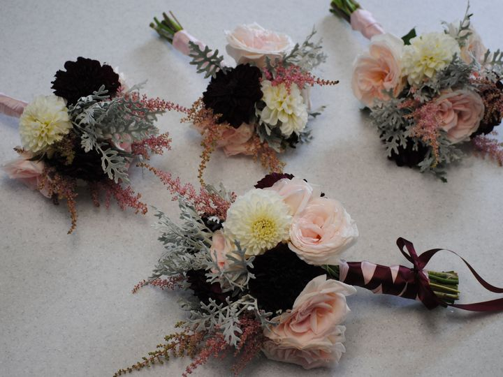 Tmx 1538339893 961056258c3342cf 1538339890 A678fa931ab51802 1538339859248 1 B6A32D58 AAD9 4F5D Epping, NH wedding florist