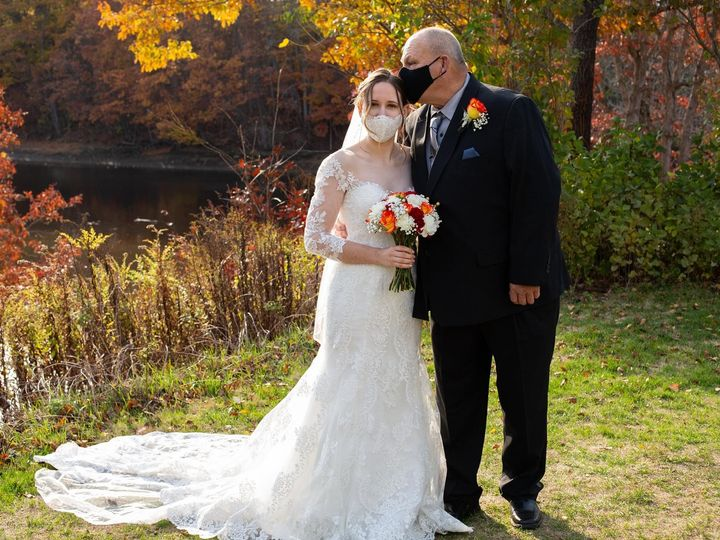 Tmx 6a56cc02 4055 42d6 A4ed Dc3f6f57c7d8 51 1016224 160831437478271 Epping, NH wedding florist