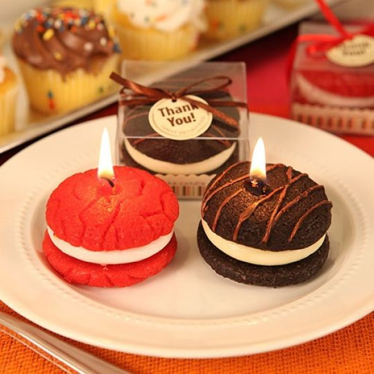 macaroons strb or choc candle