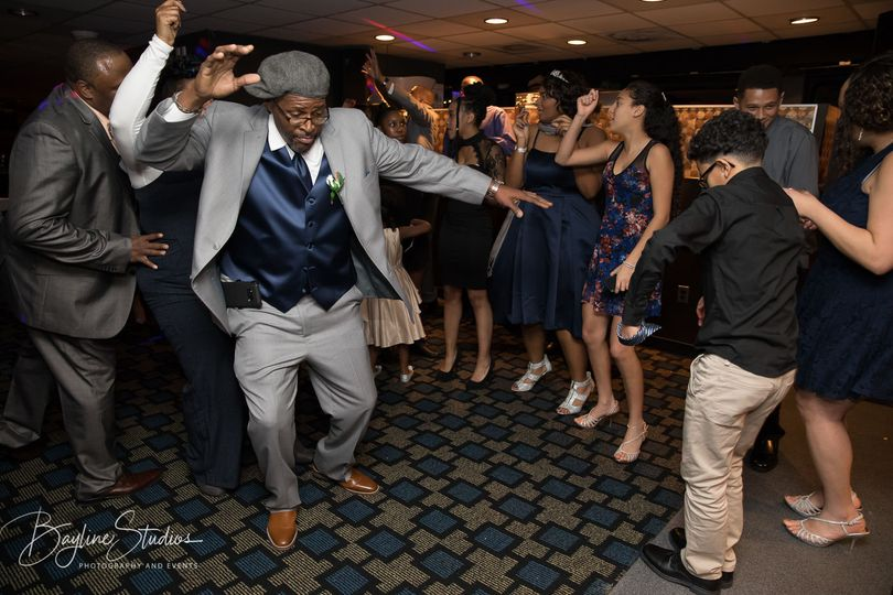 Bust a Move. Spirit Cruises Wedding