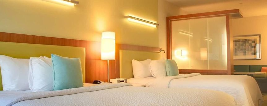 Queen/Queen Suite Sleeping Area