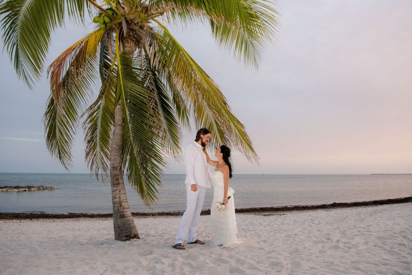 bbe1016ba7324f2a 1532466524 5a28250e063141f2 1532466523165 5 keywest wedding 23