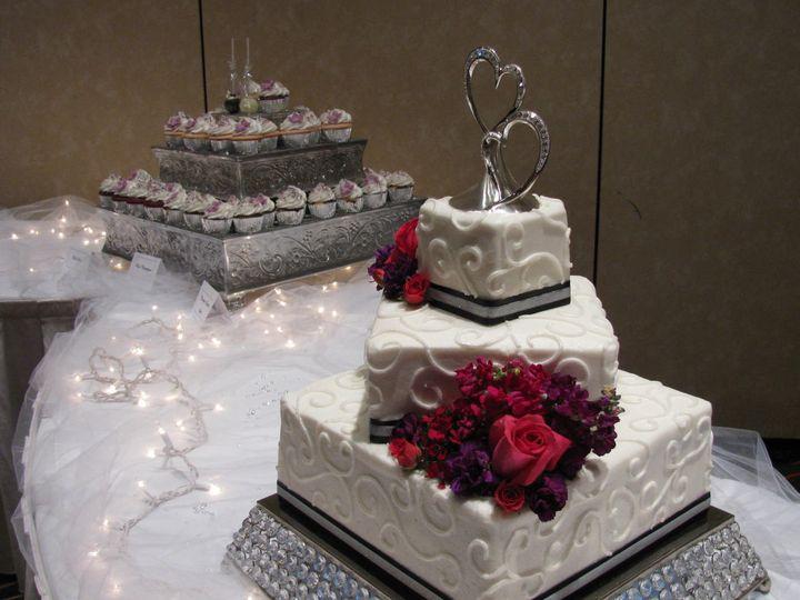 Tmx 1466862352601 Img4481 Independence wedding cake