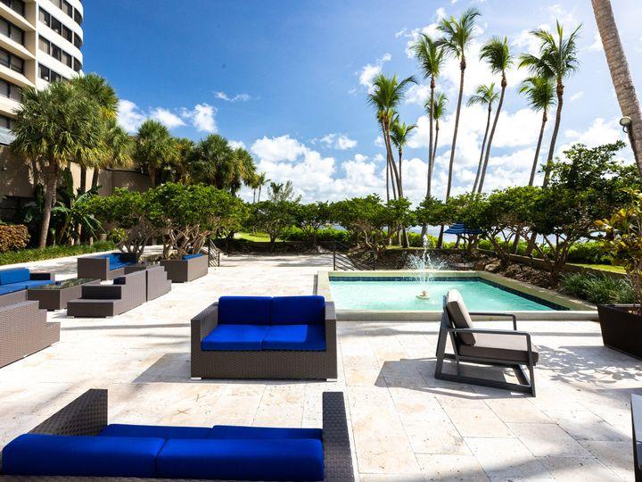 Tmx Pool Fountain 2 51 183424 159734561784686 Miami, FL wedding venue