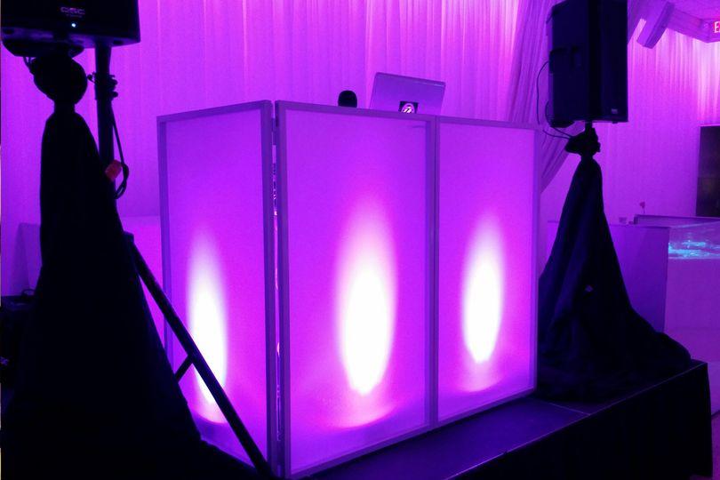 extreme sounds djs wedding facade