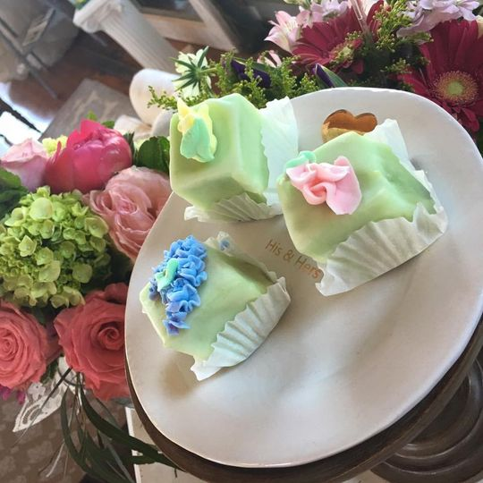 Complimentary cake pieces