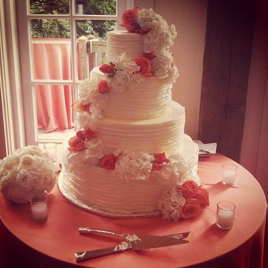 Romantic pink and white floral cake