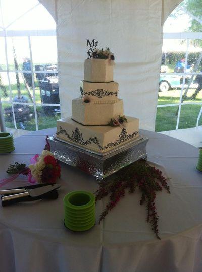 Sophisticated straight-edged wedding cake