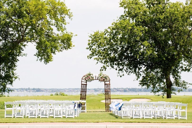 Wedding setup outdoors | Photo by Daissy Torres Photography