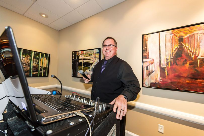 Jeff from colonial DJs   Photo by Dragon Photography