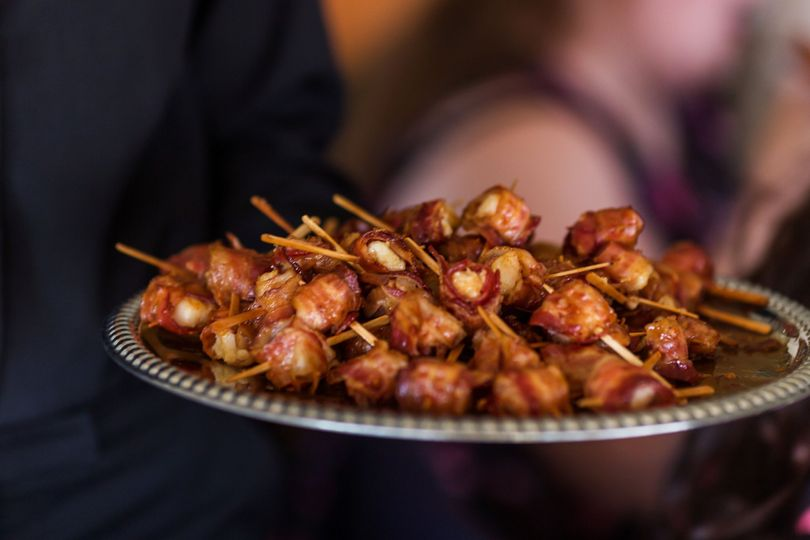 Bacon wrapped scallops   Photo by Dragon Photography
