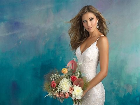 Slimming white dress
