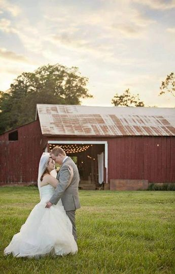 800x800 1383608492011 outdoorweddingvenue