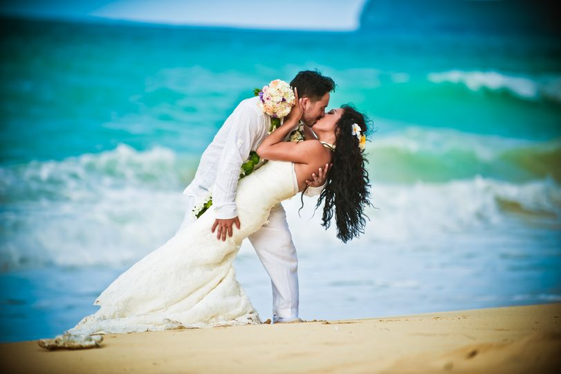 Cherished in hawaii weddings planning honolulu hi weddingwire 800x800 1387688075942 001 junglespirit Choice Image