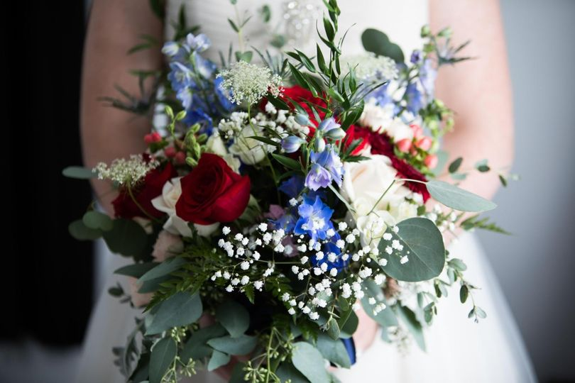 bouquet navy red white 51 664524 160737760373925
