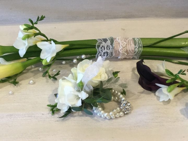Tmx Corsages Boutonniers And Bridesmaids 51 664524 1573604228 Grand Island, NY wedding florist