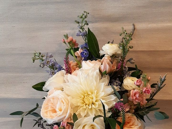 Tmx Maid Of Honor 1 51 664524 160053440340500 Grand Island, NY wedding florist
