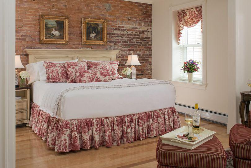 Suites at Belfast Bay