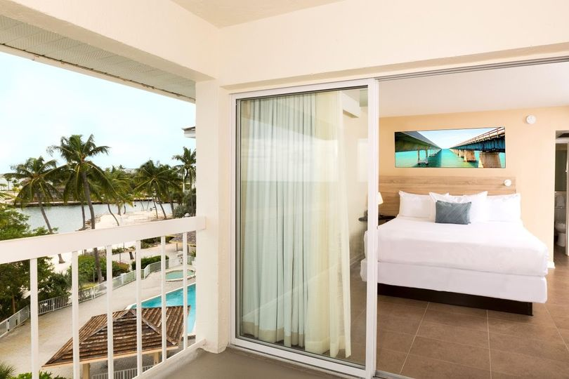 balcony bed view511800high
