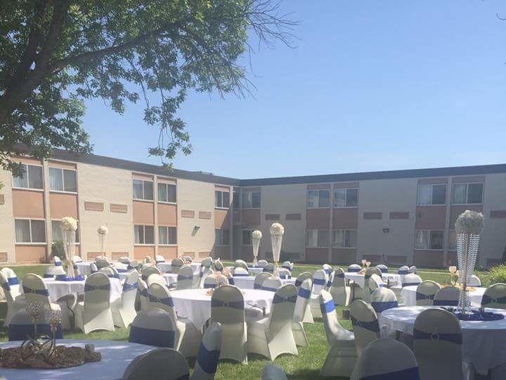 Tmx 1530826337 F1d56cfd66801de0 1530826336 F46f735f0cc08c47 1530826327810 1 Reception Outside Mandan, ND wedding venue
